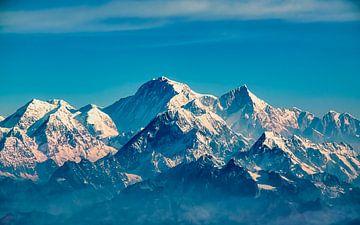 Schneebedeckte Gipfel im Himalaya, Nepal von Rietje Bulthuis