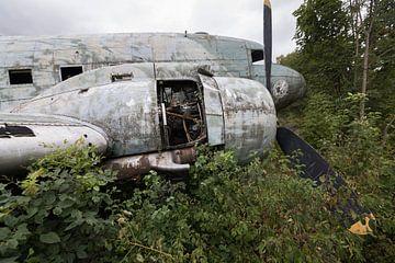 Verlaten militair vliegtuig wrak Dakota van Ger Beekes