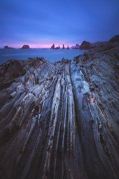 Asturien Playa Gueirua Strand zum Sonnenaufgang von Jean Claude Castor