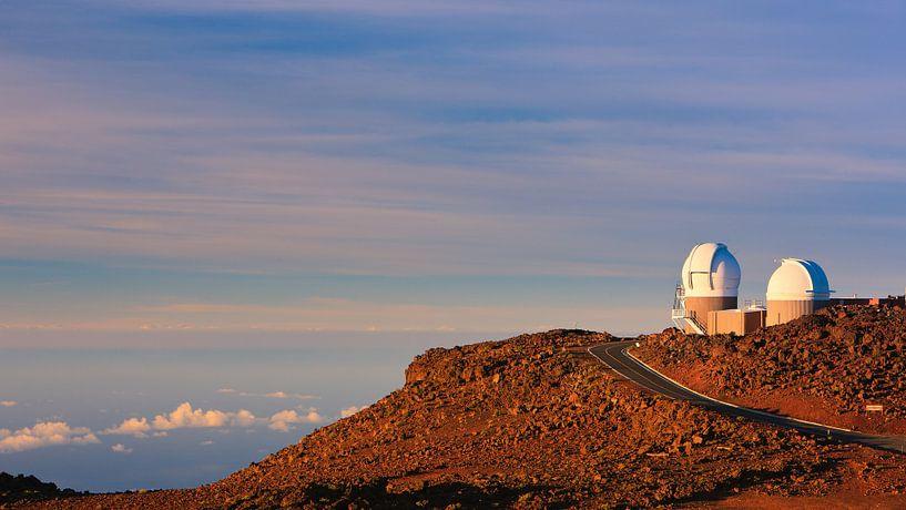 Astronomische telescopen op de Haleakala Vulkaan, Maui, Hawaii van Henk Meijer Photography