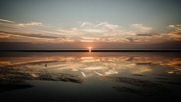 Zonsondergang in het Nationaal Park Waddenzee van Denny Lerch