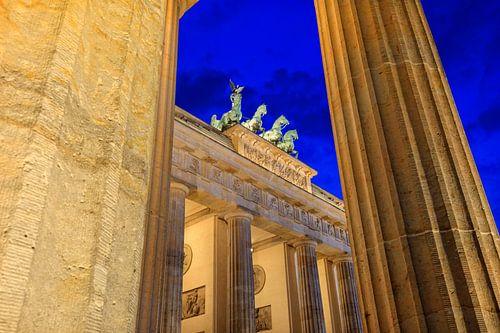 Brandenburger Tor bij schemering