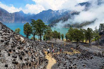 Indonesië - Kratermeer Segara Anak op Lombok van Jack Koning