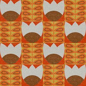 Retro jaren 70 vintage geïnspireerd patroon met gestileerde bloemen en bladeren in beige, bruin en o van Dina Dankers