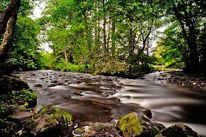 De oevers van de Turret River, Perthshire Schotland