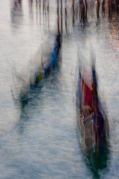 Venezianische Gondeln abstrakt von Andreas Müller