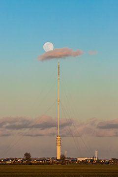 Vollemaan boven zendmast Lopik IJsselstein van Peter Haastrecht, van