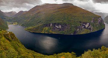 Panorama Geirangerfjord van Menno Schaefer