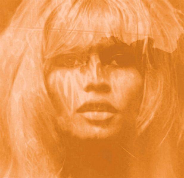 Brigitte Bardot Beige -  Love Pop Art - 24 Colours - Game - IPAD van Felix von Altersheim