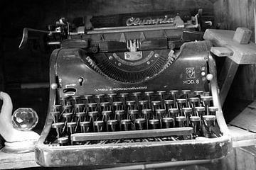 Schrijfmachine, typewriter van P.D. de Jong
