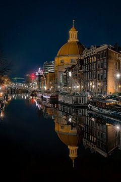 Reflections | Round Lutheran Church Singel Amsterdam. von Gerard Koster Joenje (Vlieland, Amsterdam & Lelystad in beeld)