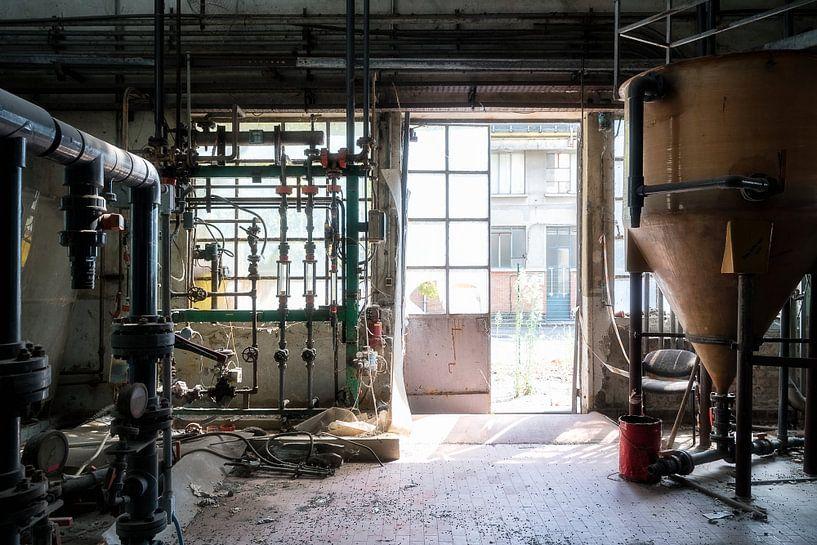Verlaten Fabriek. van Roman Robroek