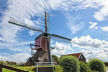 molen Vrouw Vennemolen in oud ade ( in kleur )