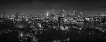 Rotterdam in black