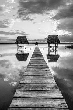 Zonsondergang in Guatemala van Jessica Brouwer