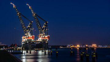 Sleipnir het grootste kraanschip van de wereld  In Rotterdam