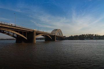 Panorama van de Waalbrug bij Nijmegen