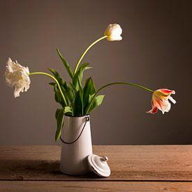 Tulpen in een vaas van Barbara Brolsma