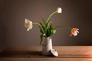 Tulpen in een vaas van