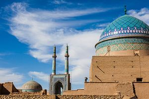 Blauwe moskee architectuur in Yazd, Iran van Bart van Eijden