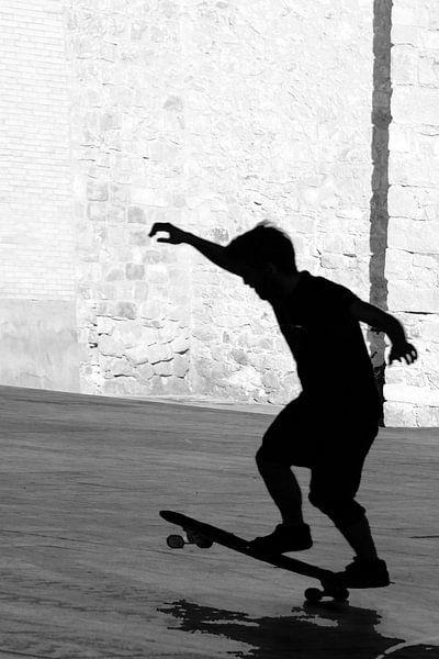 Een skater in Barcelona van Brenda Reimers