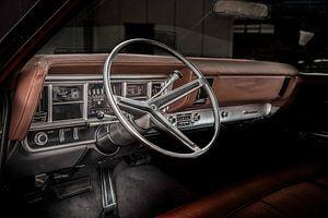 Dashboard van een oldtimer uit 1969 Buick Riviera
