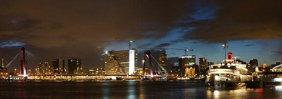 Willemsbrug at night van Danny van Schendel