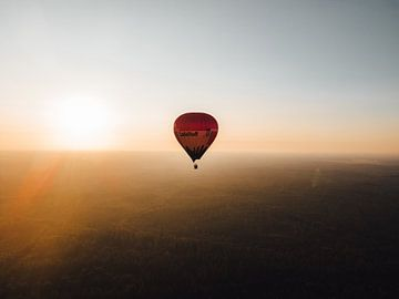 Hot Air Balloon van Ernst Wagensveld