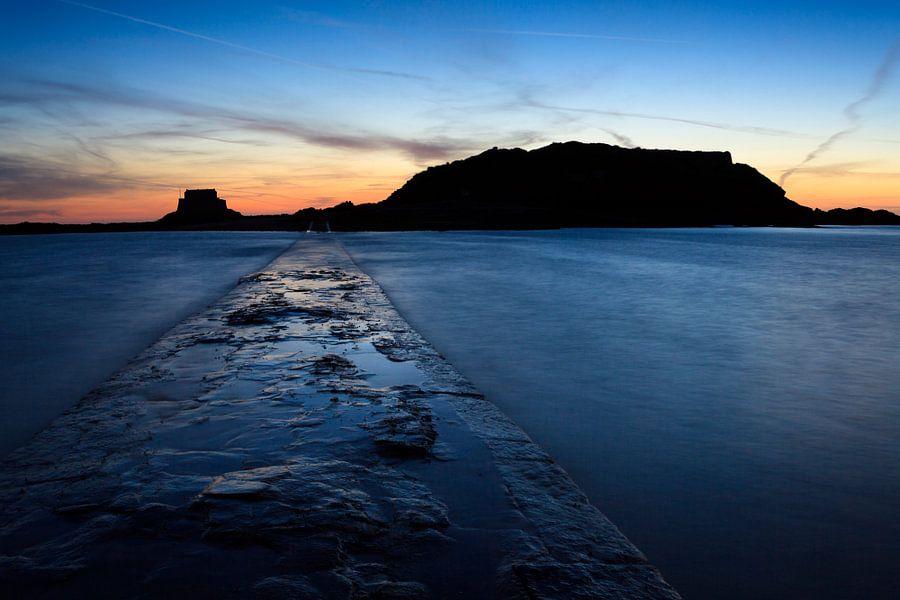 Pad naar de ruine in Saint Malo van Ron ter Burg