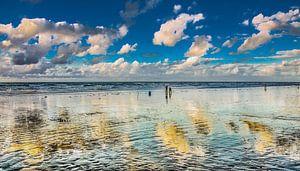 Strand en wolkjes