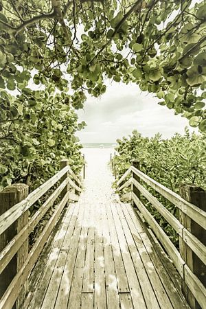 Bridge to the Beach | Vintage van Melanie Viola