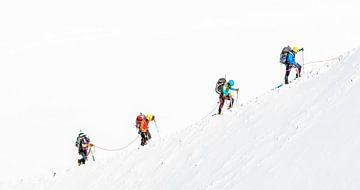 Beklimming van de Mont Blanc in de zomer. van Gerard Goseling