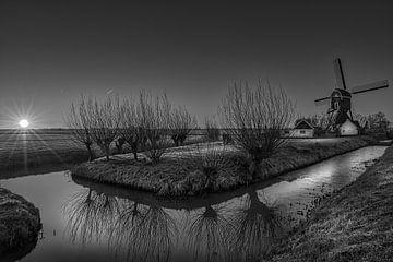 Schwarz-Weiß: Sonnenaufgang im Polder von Herwijnen von Rene Siebring