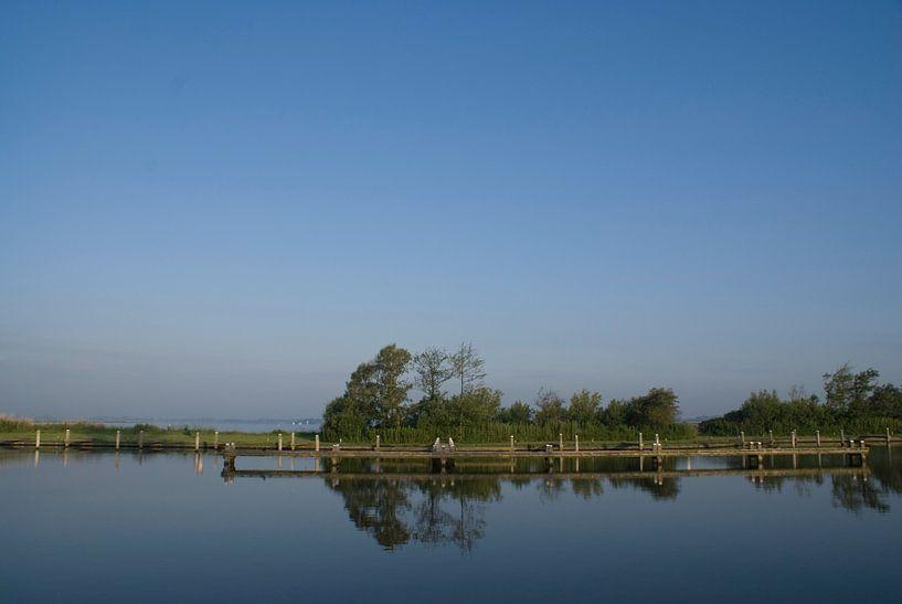 Landschap met steiger.  van Bas Smit