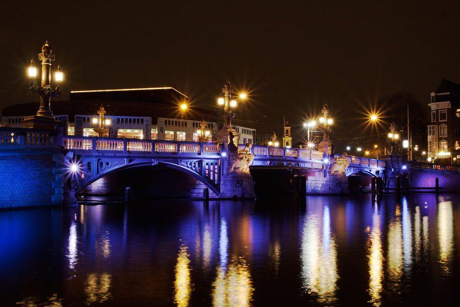 Blauwbrug Saturated van Guido Akster