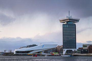 De ADAM-toren en de EYE van Thijs van den Broek