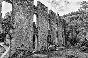 Een verlaten steenbakkerij.