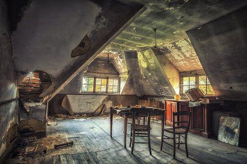 Oud school lokaal in een verlaten villa