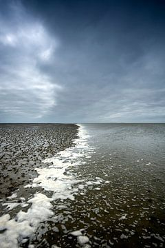 Opkomend tij in de Waddenzee van René Wolters