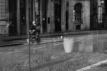Réflexion dans la ville sur FRE.PIC