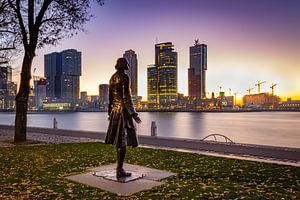 Rotterdam ontwaakt met een mooie zonsopkomst inclusief Tsaar