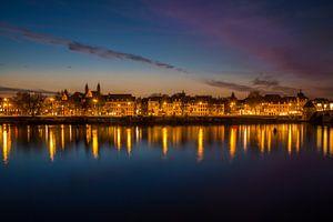Maastricht in het avondlicht!  van