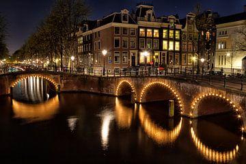 Amsterdam bij nacht van Dirk Rüter
