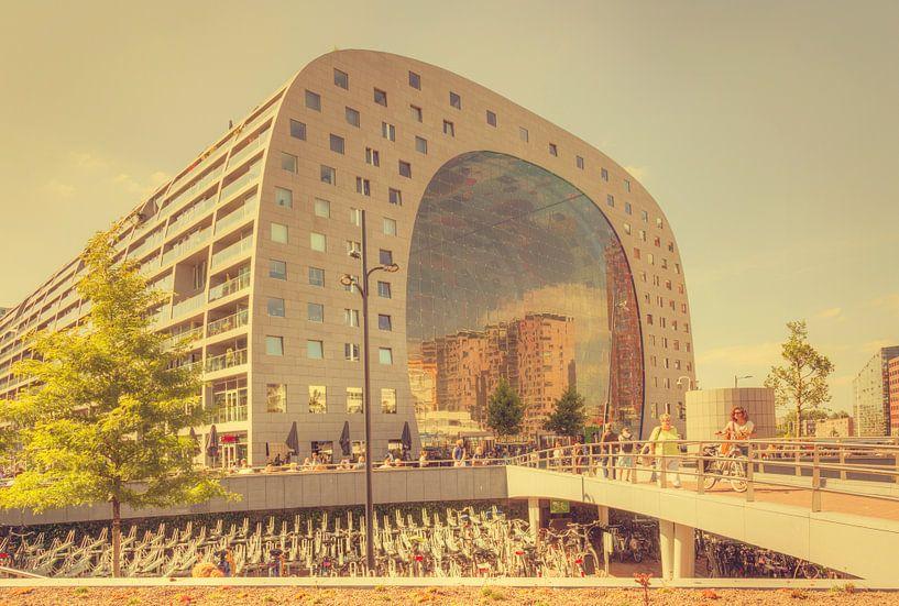 Vintagelook van de Markthal in Rotterdam van John Kreukniet