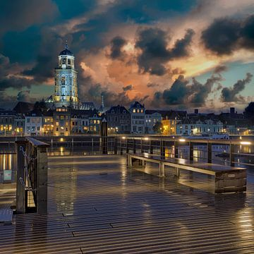 Deventer Stadsgezicht bij nacht vierkant
