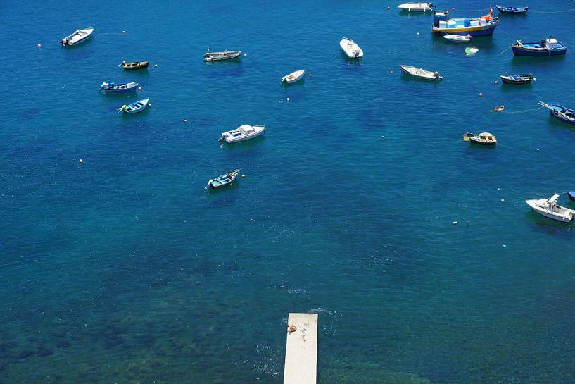 Bootjes op de Atlantische Oceaan van Michel van Kooten