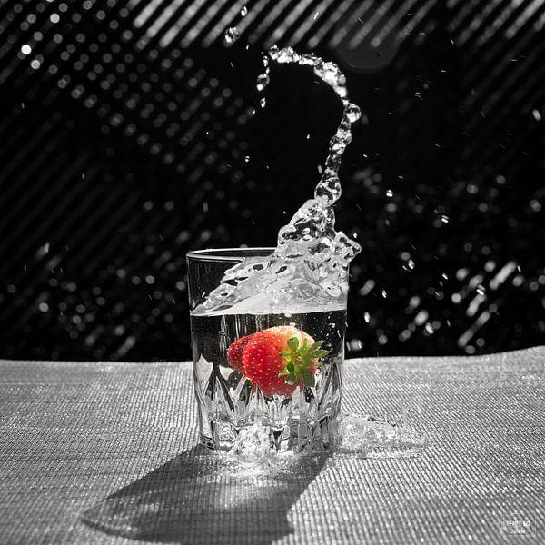 Die Erdbeere im Glas von Photo Julleke