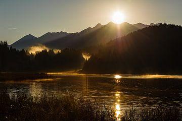 Sonnenaufgang am Wagenbrüchsee von Denis Feiner