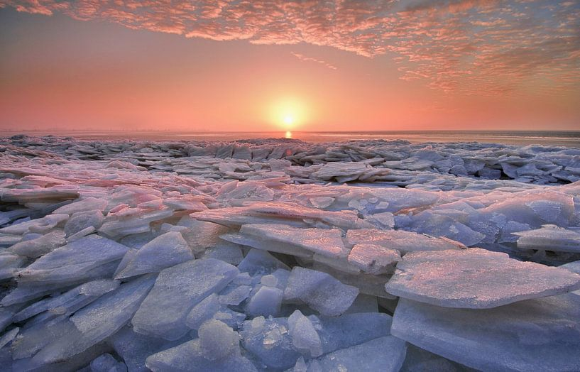 Kruiend ijs van John Leeninga