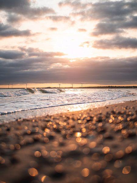 Sonnenaufgang Strand Oostkappele von Joren van den Bos